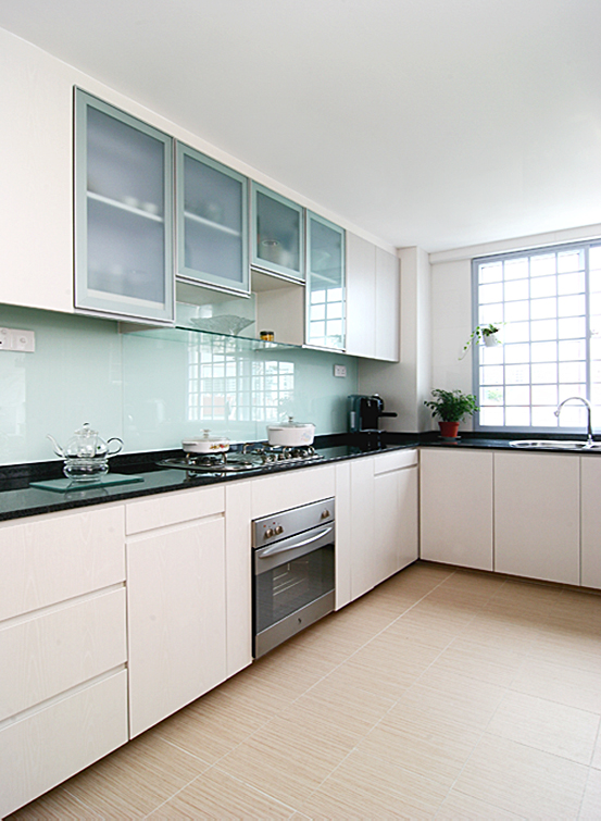 Iinchstudio hdb resale kitchen designers 39 package Kitchen door design hdb